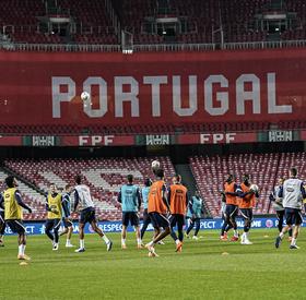 Les Bleus s'entrainent à Lisbonne