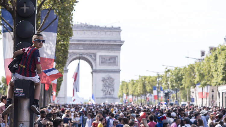 Le sacre vu de Paris !