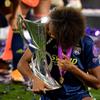 OL vainqueur Ligue des champions féminine 2020 Wendie Renard trophée