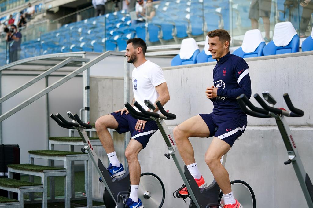 Hugo Lloris et Lucas Digne sur les vélos
