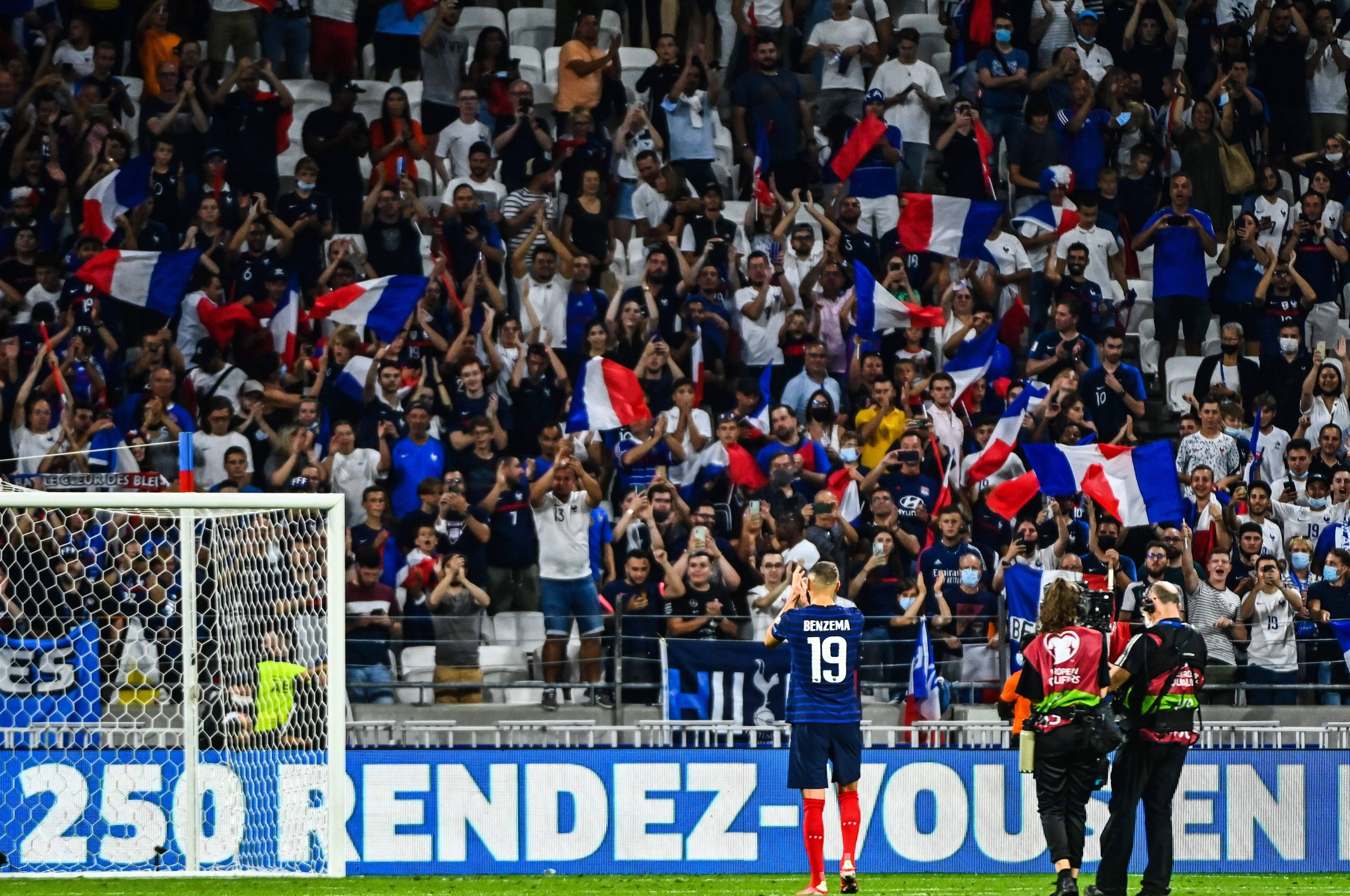 Karim Benzema vient remercier les supporters