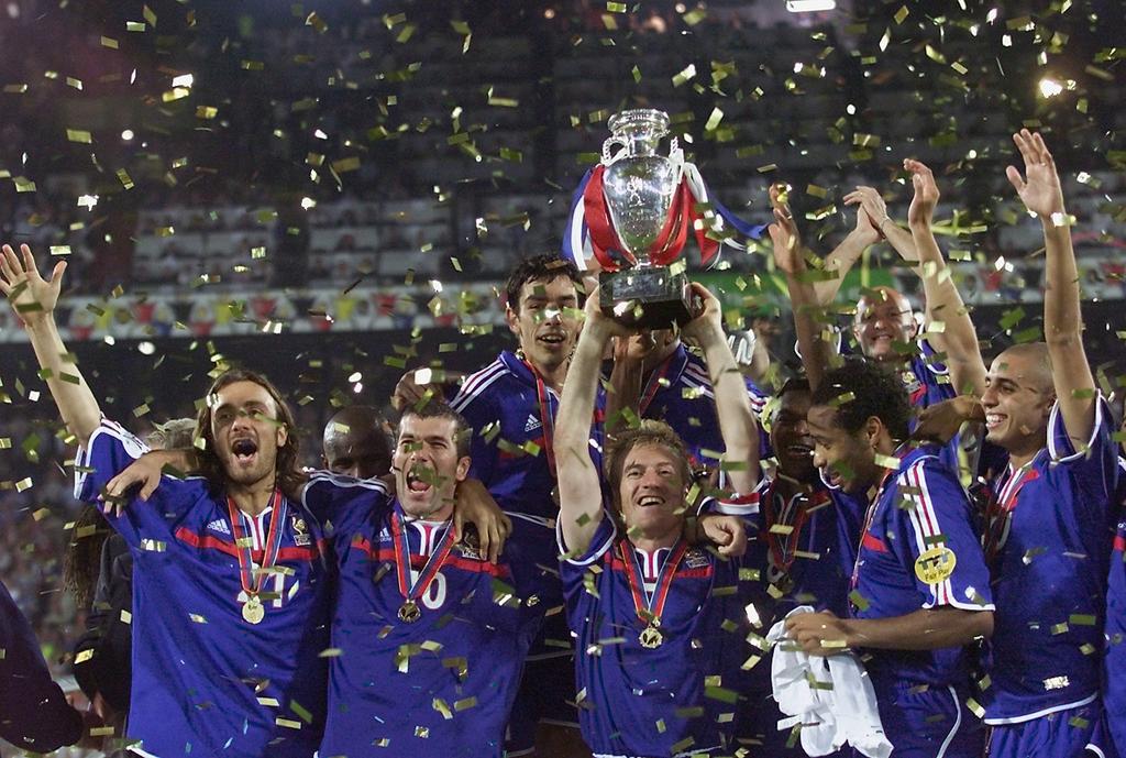 Euro 2000, Les Bleus au panthéon
