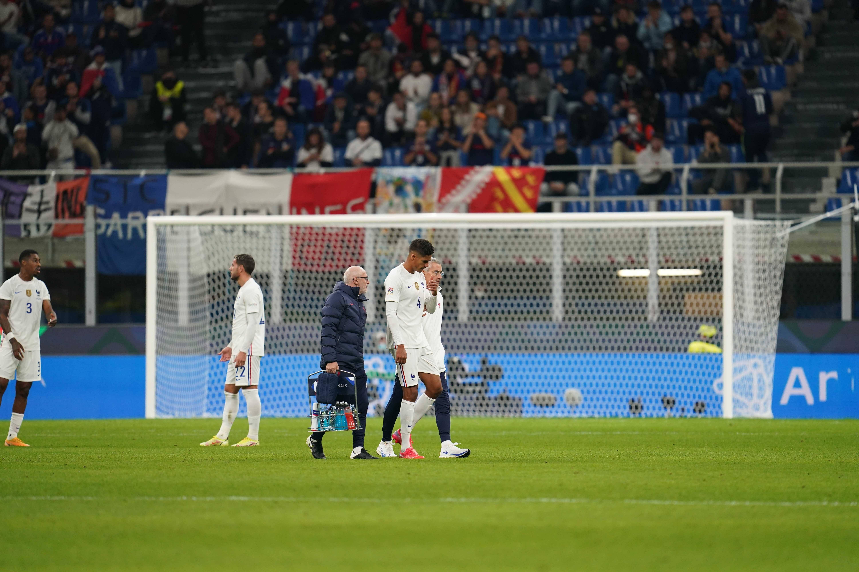 Blessé, Raphaël Varane est contraint de laisser sa place