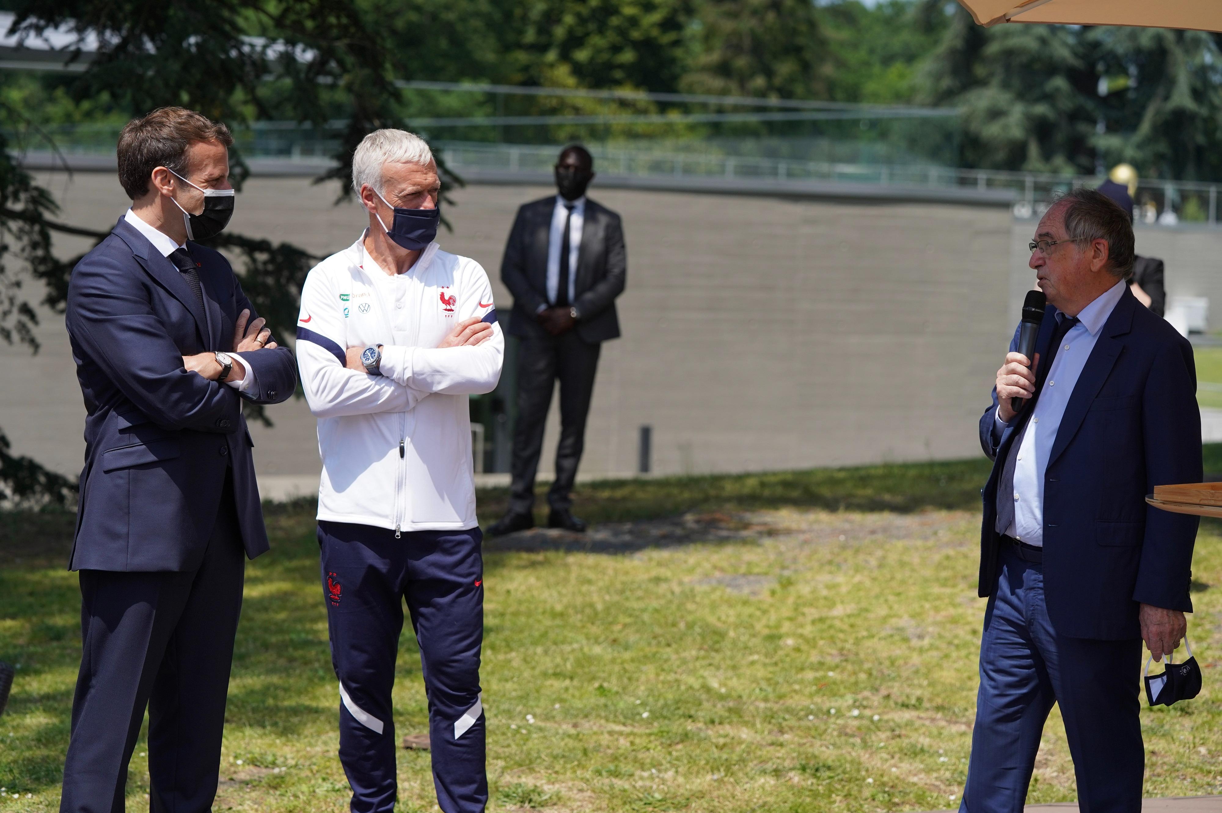 Noël Le Graët visite Emmanuel Macron à Clairefontaine