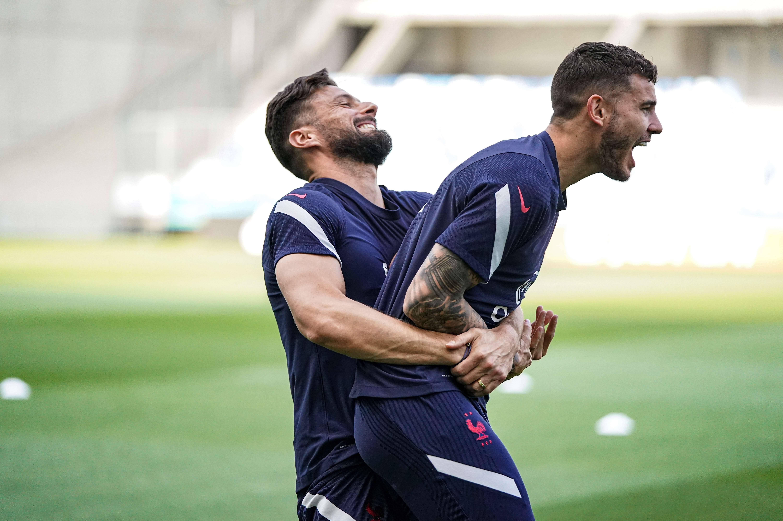Olivier Giroud et Lucas Hernandez
