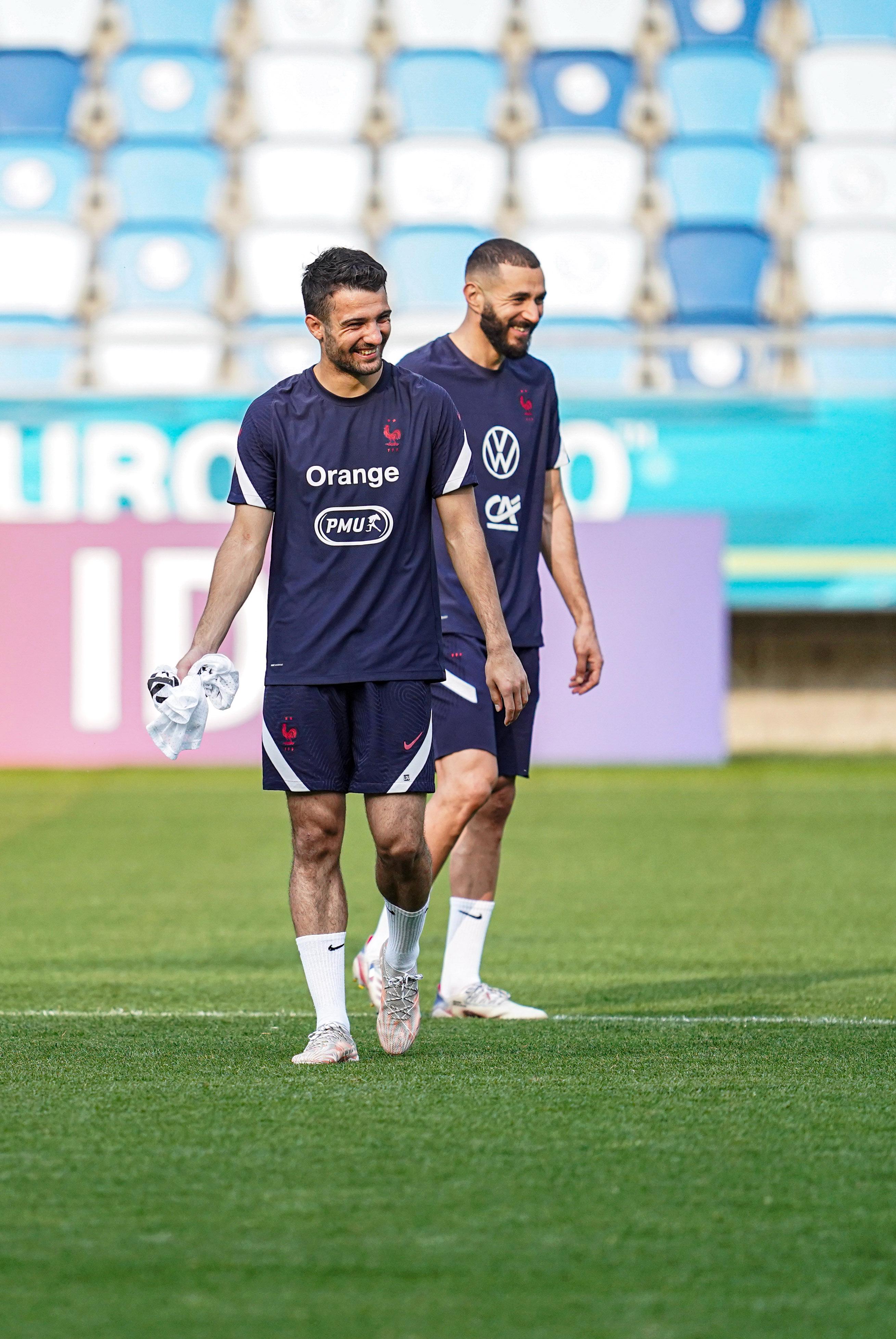 Léo Dubois et Karim Benzema